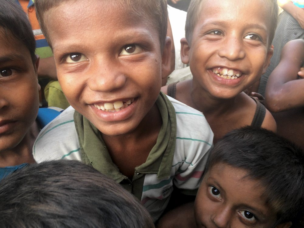 photo of a group of Rohingya children